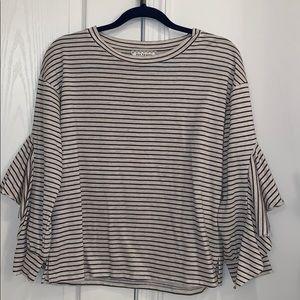 Cream and gray striped sweater\sweatshirt